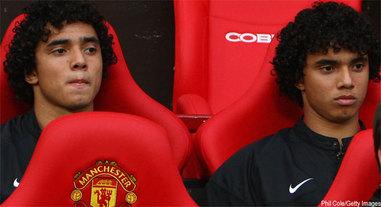 Manchester : L'arbitre confond les jumeaux Da Silva