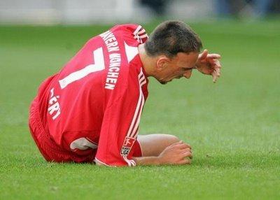 Franck Ribéry absent 1 mois ?