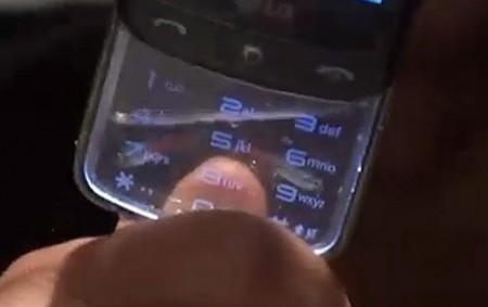 Il transforme son téléphone portable LG GD900 en aquarium (VIDEO)