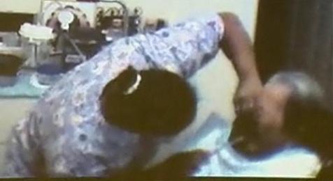choc une mamie de 91 ans violent e par son aide soignante video buzzraider. Black Bedroom Furniture Sets. Home Design Ideas