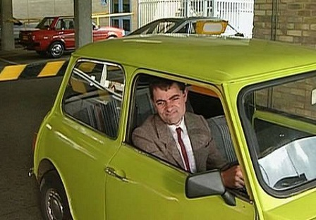 mr bean bless dans un accident de voiture photo buzzraider. Black Bedroom Furniture Sets. Home Design Ideas
