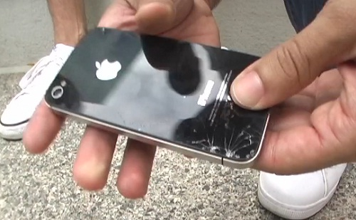 Crash test : iPhone 4S vs Samsung Galaxy S2 (VIDEO)