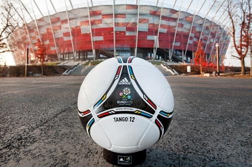 [EURO 2012] [Infos Diverses] Ballon-euro-2012