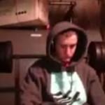 Une série de développé couché qui manque de virer au drame (VIDEO)