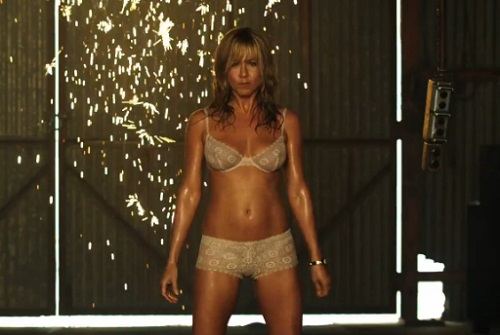Jennifer Aniston joue les strip-teaseuses dans «We're the Millers» (Bande annonce)