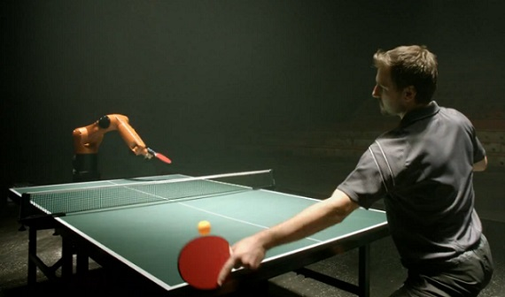 Ping Pong : homme VS robot (VIDEO)