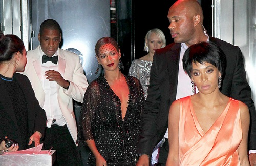 Jay-Z violemment agressé par la soeur de Beyoncé (VIDEO)