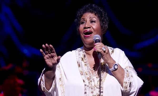 Aretha Franklin reprend « Rollin in the Deep » d'Adele (audio)