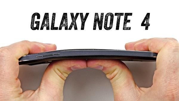 Galaxy Note 4 : Test de torsion + crash test (vidéos)