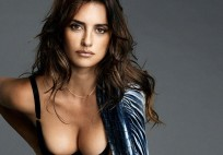 Penelope-Cruz-Esquire 2014