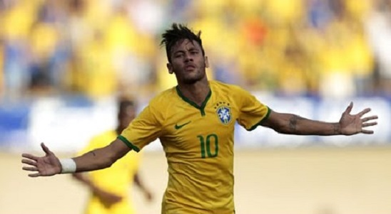 Foot : Neymar bat le Japon 4-0 (résumé)