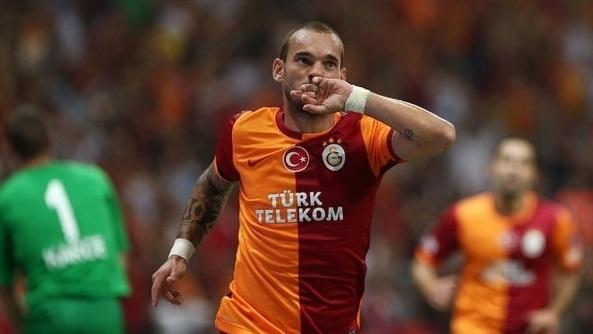 Sneijder marque 2 buts de folie en 3 minutes (vidéo)