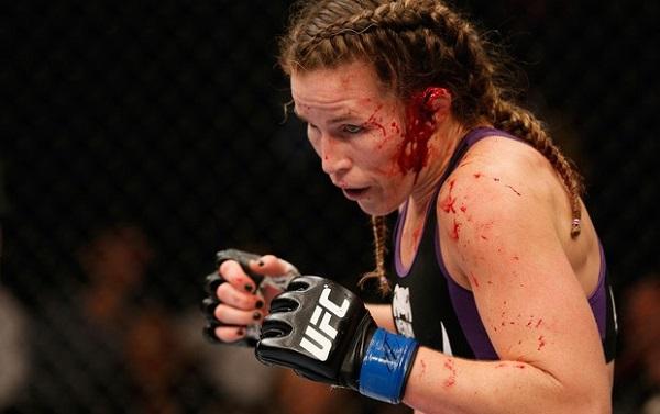 UFC : L'horrible blessure d'une combattante ! (vidéo)