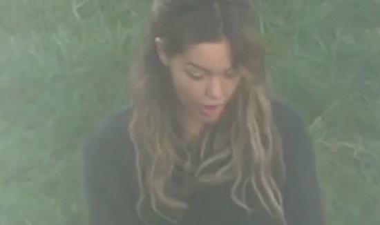 Nabilla filmée dans la cour de la prison de Versailles (vidéo)