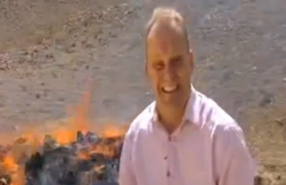 Un journaliste drogué malgré lui en plein reportage (vidéo)