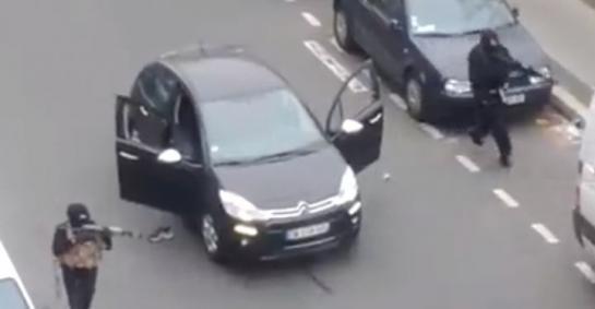Attentat à Charlie Hebdo : 12 morts, vidéos de l'attaque ! (vidéo)