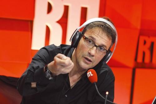 Julien Courbet violemment insulté en direct à la radio (audio)