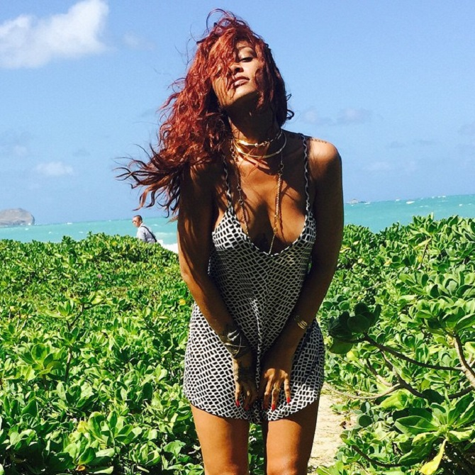 rihanna-hawaii 2015 (3)