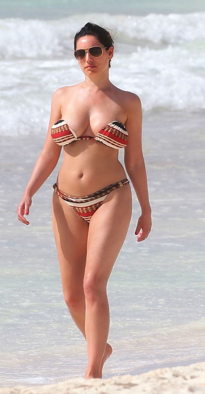 kelly-brook bikini