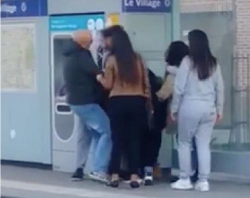 Gennevilliers : une jeune fille agressée violemment parce qu'elle portait une jupe
