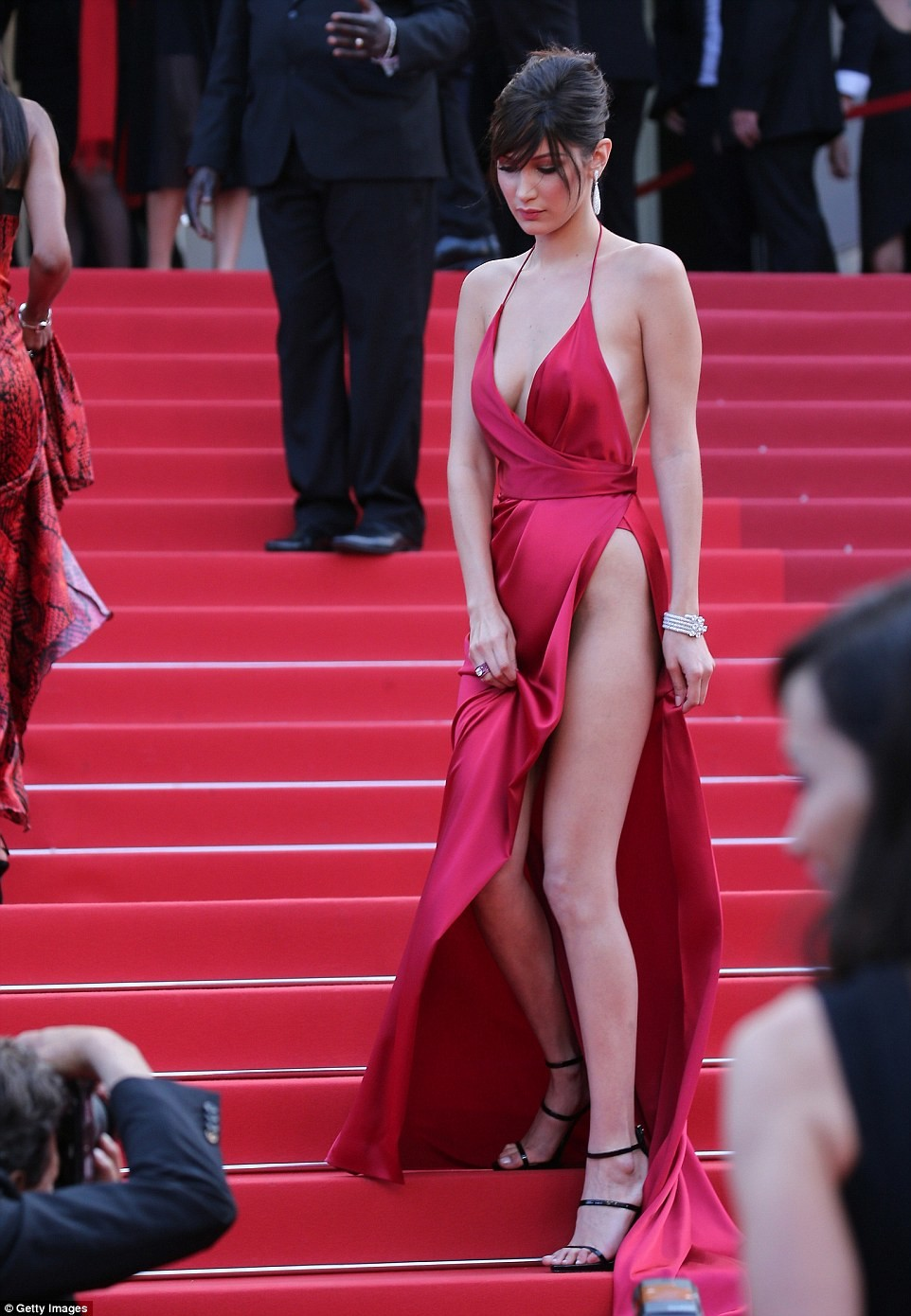 bella hadid red dress cannes 2016 (12)