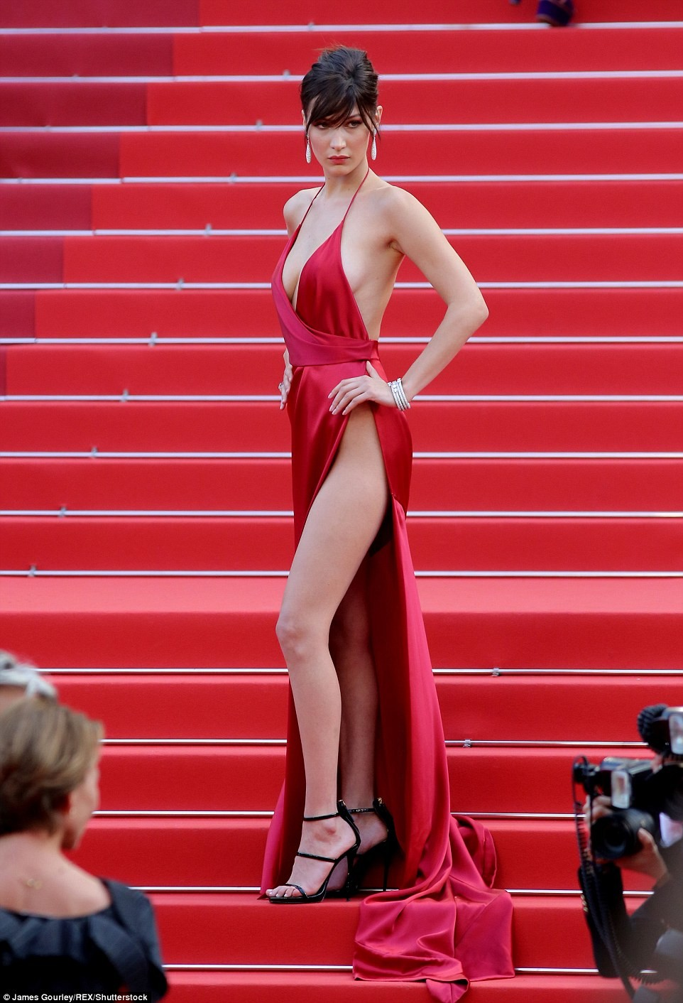 bella hadid red dress cannes 2016 (13)