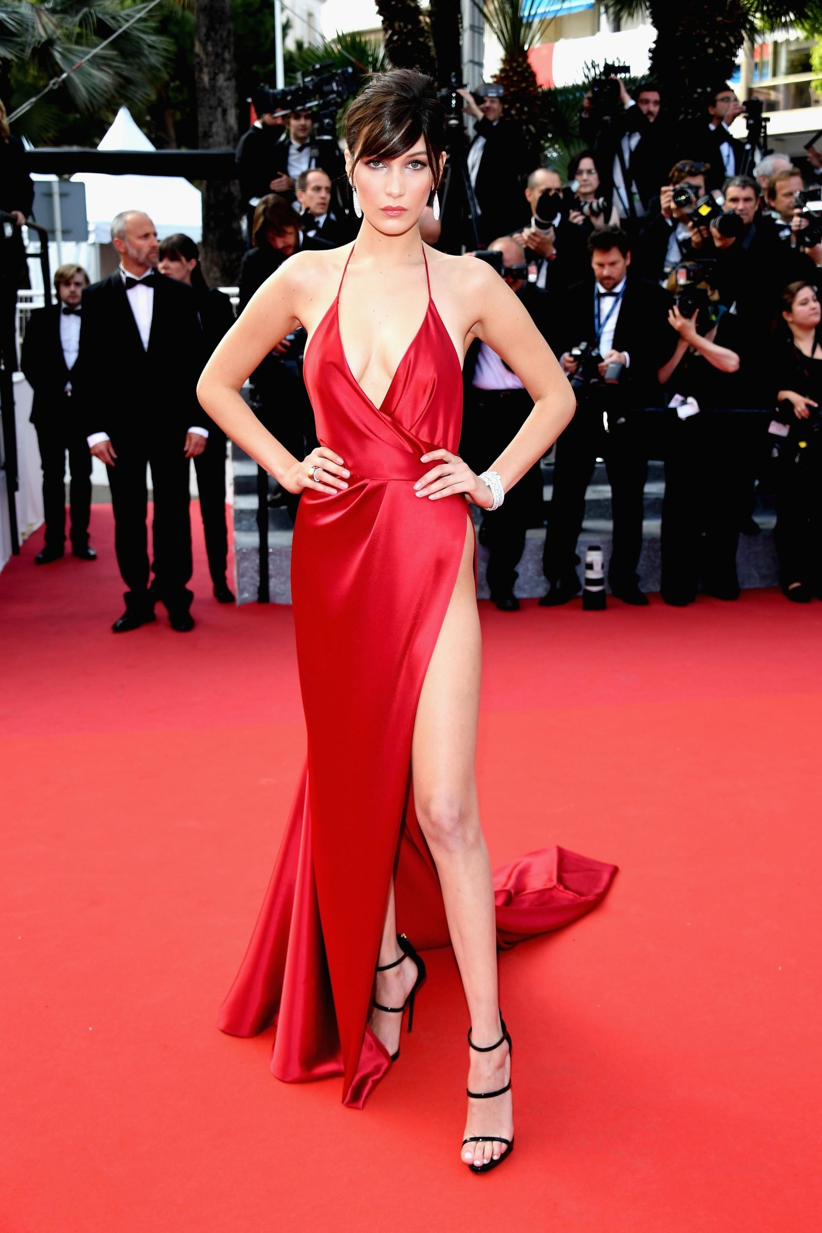 bella hadid red dress cannes 2016 (14)