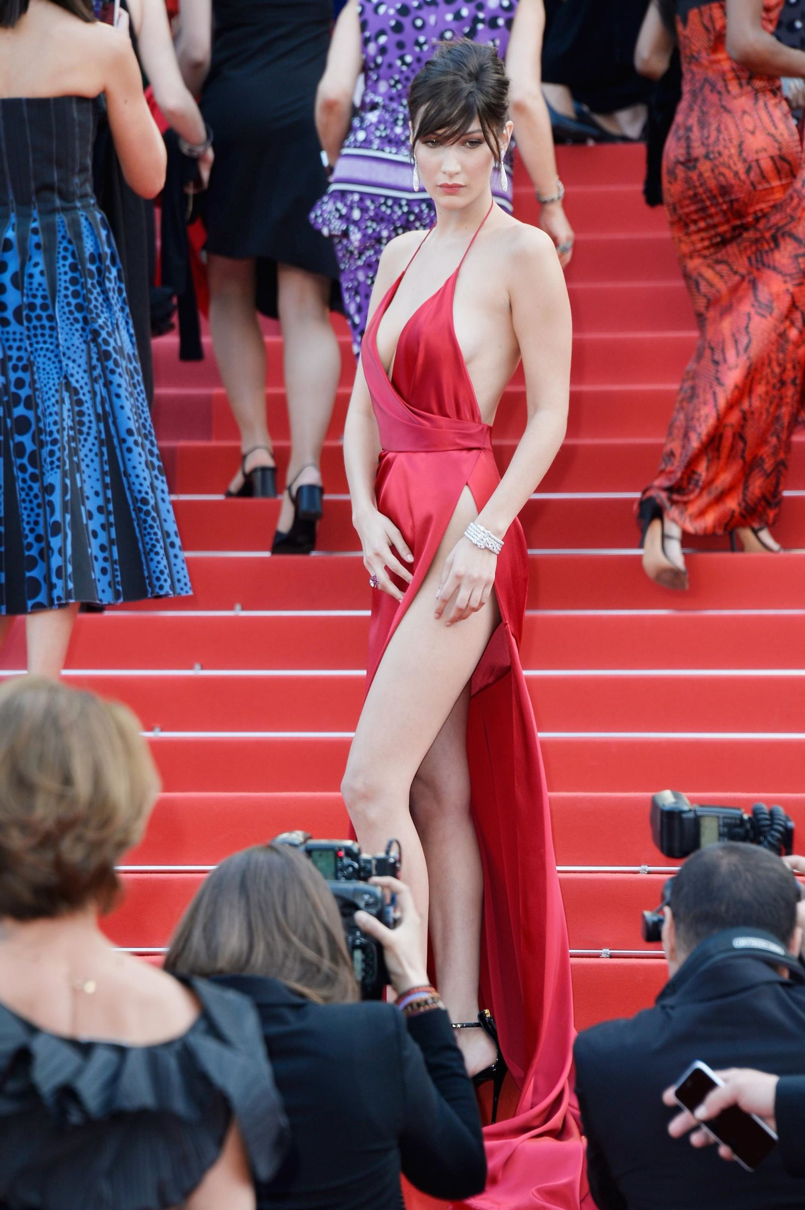 bella hadid red dress cannes 2016 (18)