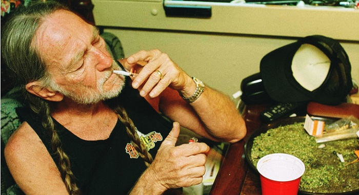 willie nelson cannabis
