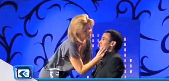 Cindy de Secret Story embrasse Mustapha El Atrassi (VIDEO)