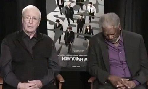 Morgan Freeman s'endort en pleine interview (VIDEO)