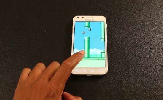 Flappy Bird : le jeu qui rend fou (VIDEO)