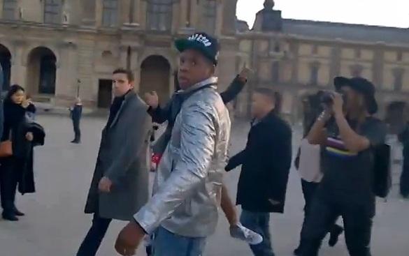 Jay-Z vexé de ne pas être reconnu par un touriste (vidéo)