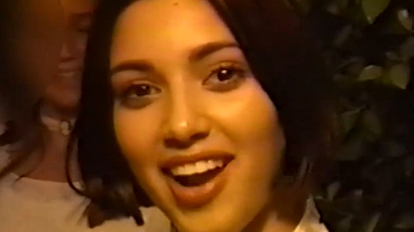 Kim Kardashian : à 13 ans elle se prenait déjà pour une star ! (vidéo)