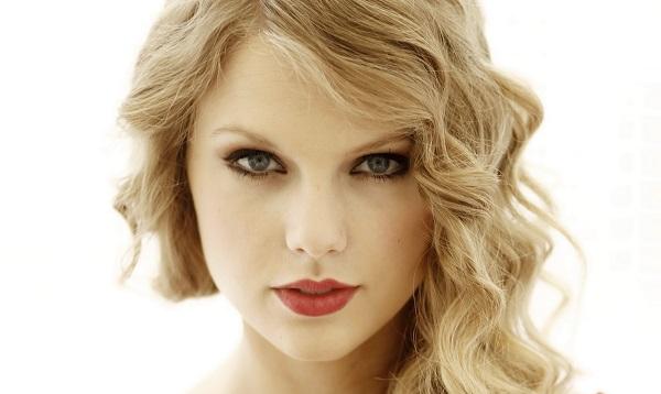 Taylor Swift : découvrez à quoi elle ressemblait à l'âge de 12 ans (photo)
