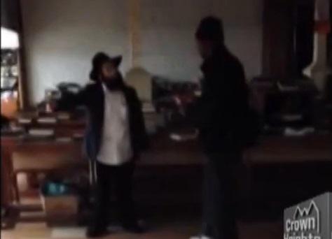 Choc : un juif poignardé dans une synagogue à New York (vidéo)