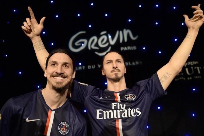 Zlatan Ibrahimovic découvre sa statue au Musée Grévin (vidéo)